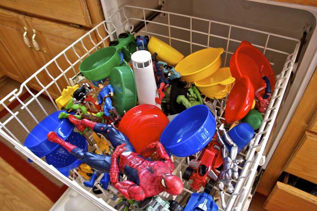 clean plastic toys
