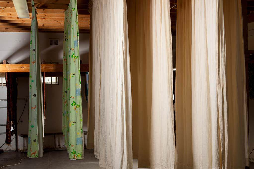 drying curtains