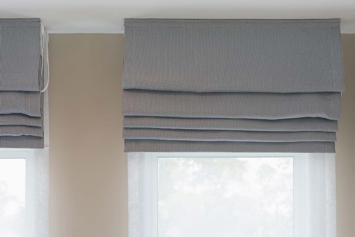 roman blinds cleaning in cape town chelsea cleaning. Black Bedroom Furniture Sets. Home Design Ideas